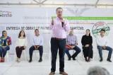 Entrega Quirino paquete de 10 vialidades en Guamúchil