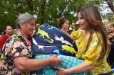 Entrega apoyos Lorena Pérez  a familias de Otatillos