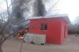 Queman casa y vehículos en Comanito, Mocorito