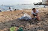 Contribuye SEDESU a la limpieza de playa Pinitos en Mazatlán