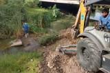 Desazolva Japasa colector en arroyo El Zopilote