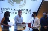"""Quirino entrega el Premio """"Rafael Buelna Tenorio"""" a jóvenes sinaloenses"""