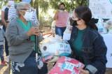 DIF Mazatlán continúa la entrega de apoyos invernales en zona rural del puerto