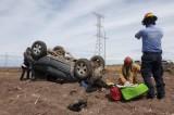 Deja volcadura tres personas lesionadas en carretera a la Ciénega