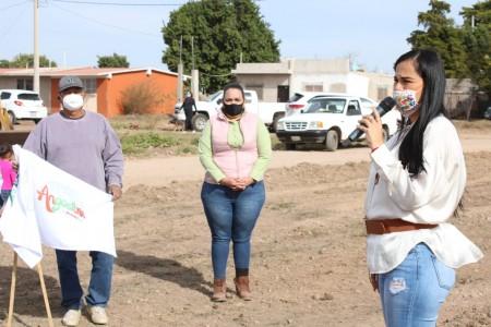 Ayuntamiento inicia construcción de parque recreativo en El Ébano