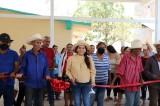 Inaugura Lorena Pérez techumbre en Rincón de los López y Morirato