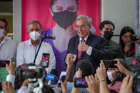 Rubén Rocha Moya recibe constancia de Gobernador electo de Sinaloa