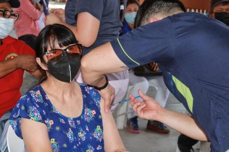 Llega a Angostura segunda dosis de vacuna anti Covid-19 para personas de 50 a 59 años