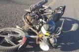 Muere un motociclista al ser arrollado por un automóvil
