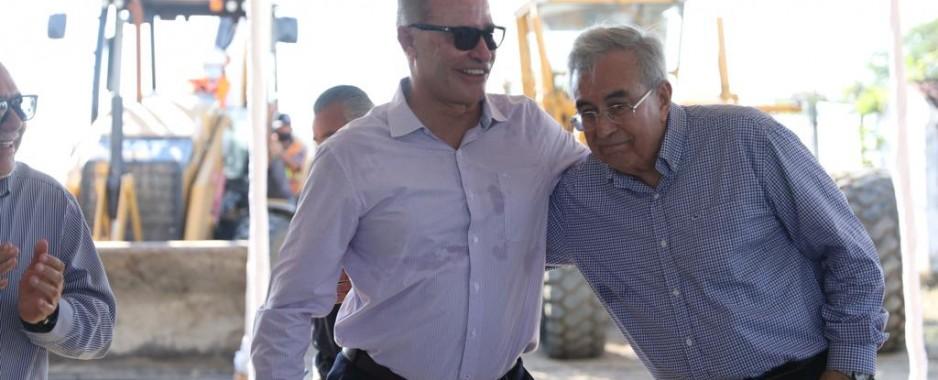 Quirino inicia construcción de avenida Delfín, en Mazatlán